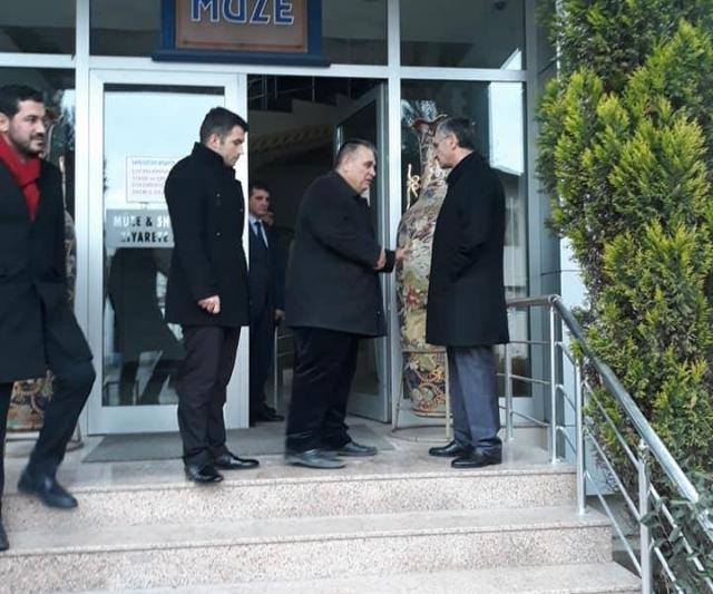 Vali Erdoğan Bektaş, Çanakçılar Seramik'i ziyaret etti